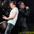 360: Larry and Bono work the 360 Stage (Las Vegas, 2009)