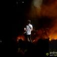 360: Larry cuts through the crowd (Brisbane, 2010))