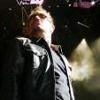 360: Bono in a familiar strut (Perth, 2010)