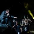 360: Bono reaches for a camera (Perth, 2010)