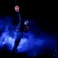 360: Bono out over the crowd (Perth, 2010)