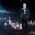 Vertigo: Bono cruising the stage (Brisbane, 2006)