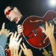Popmart: Bono joins the crowd (Melbourne, 1998)