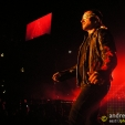 Vertigo: Bono treading carefully (Sydney,2006)